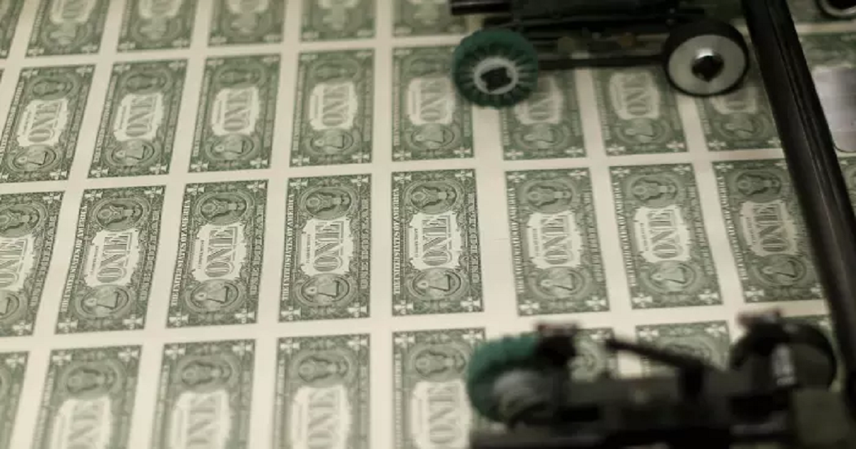 US asset investment surge raises dollar worries
